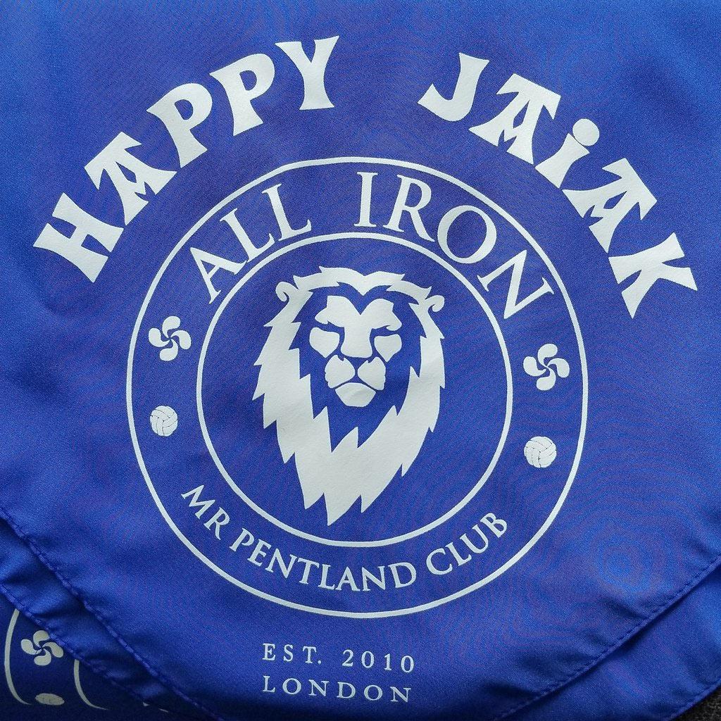 Mr Pentland Club festeja Aste Nagusia con sus pañuelos HAPPY JAIAK a7aa756b55aa7